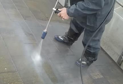 スレートの高圧洗浄